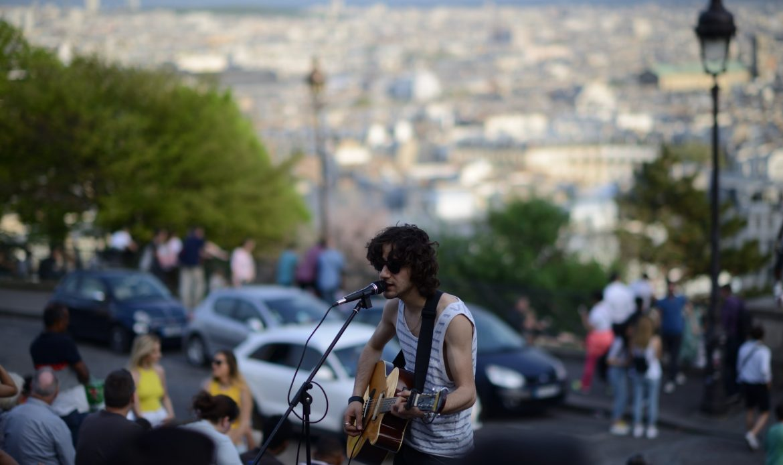 Straßenkunst Musik vs paris fussball street S80_9288