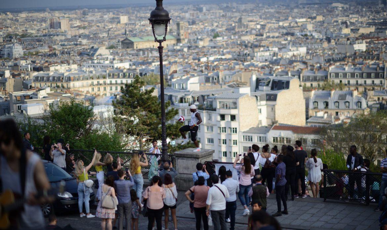 Mädchen lieben Fußballer - paris fussball street S80_9289